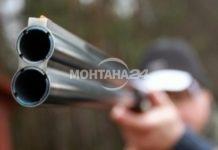 Психично болен стреля във Вършец