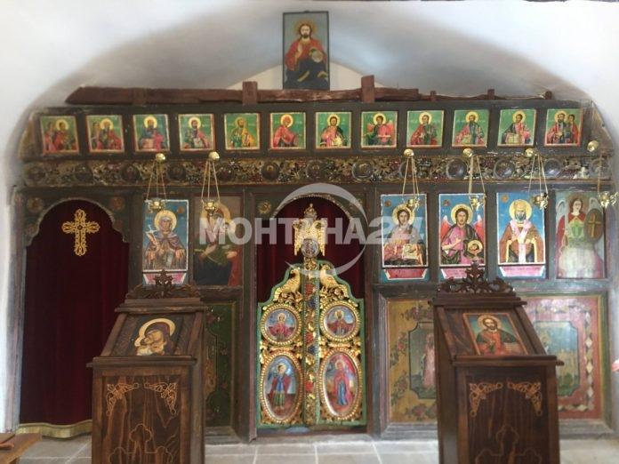 Монахини реставрираха уникален иконостас