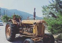 Тракторист едва оцеля след катастрофа