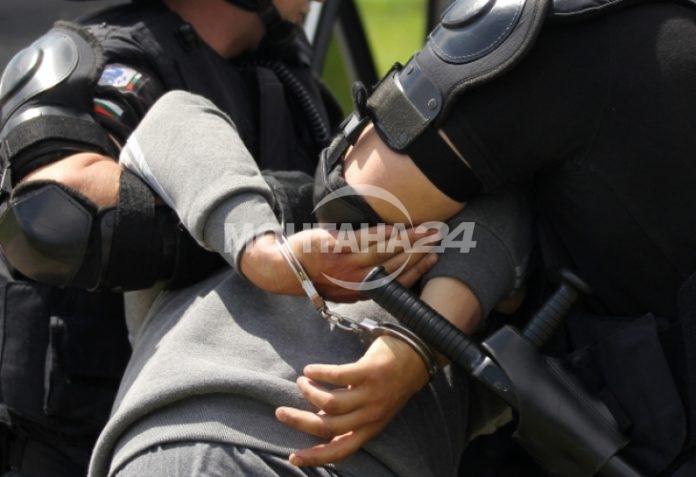 Ерденски бабаит налита на полицаи