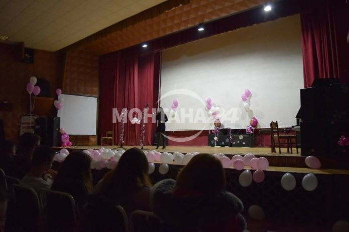 Езиковата гимназия събра хиляди за болно дете
