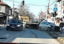 Трима пияни катастрофираха в Лом