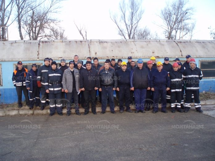 Над 50 доброволци започнаха обучение за пожарникари