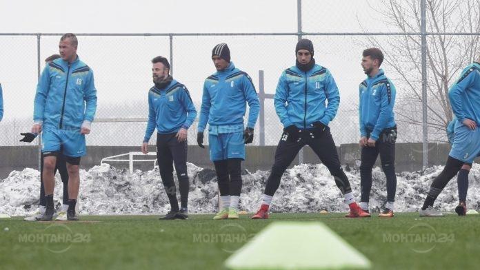 Локомотив София дерайлира на стадион