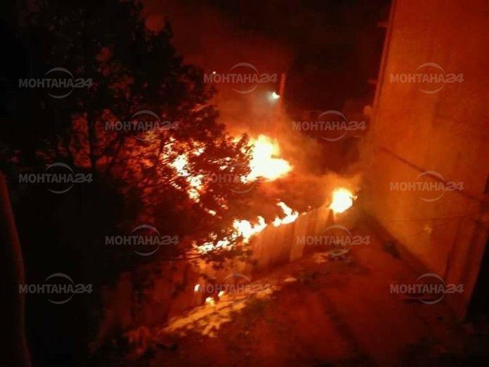 Магазин пълен с дрехи изгоря в Берковица