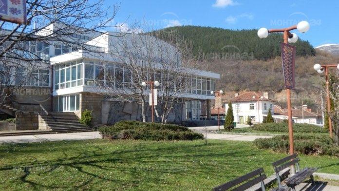 ГЕРБ дарява 10 000 лв. за изграждането на параклис-костница в Чипровци