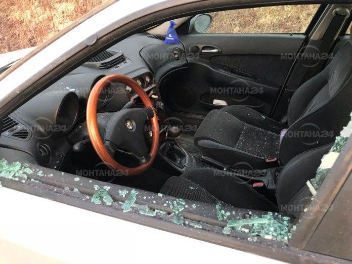 Разбиха и обраха автомобил във Вършец