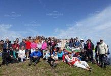 80-годишен дядо и четири месечно бебе минаха по стъпките на Вазов и покориха връх Ком