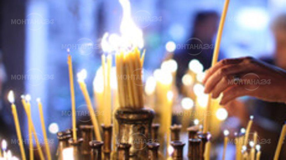 Църквата почита Св. Пантелеймон и Св. Седмочисленици