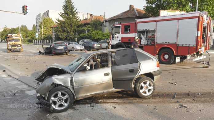 Една жена остава в болницата след вчерашната катастрофа