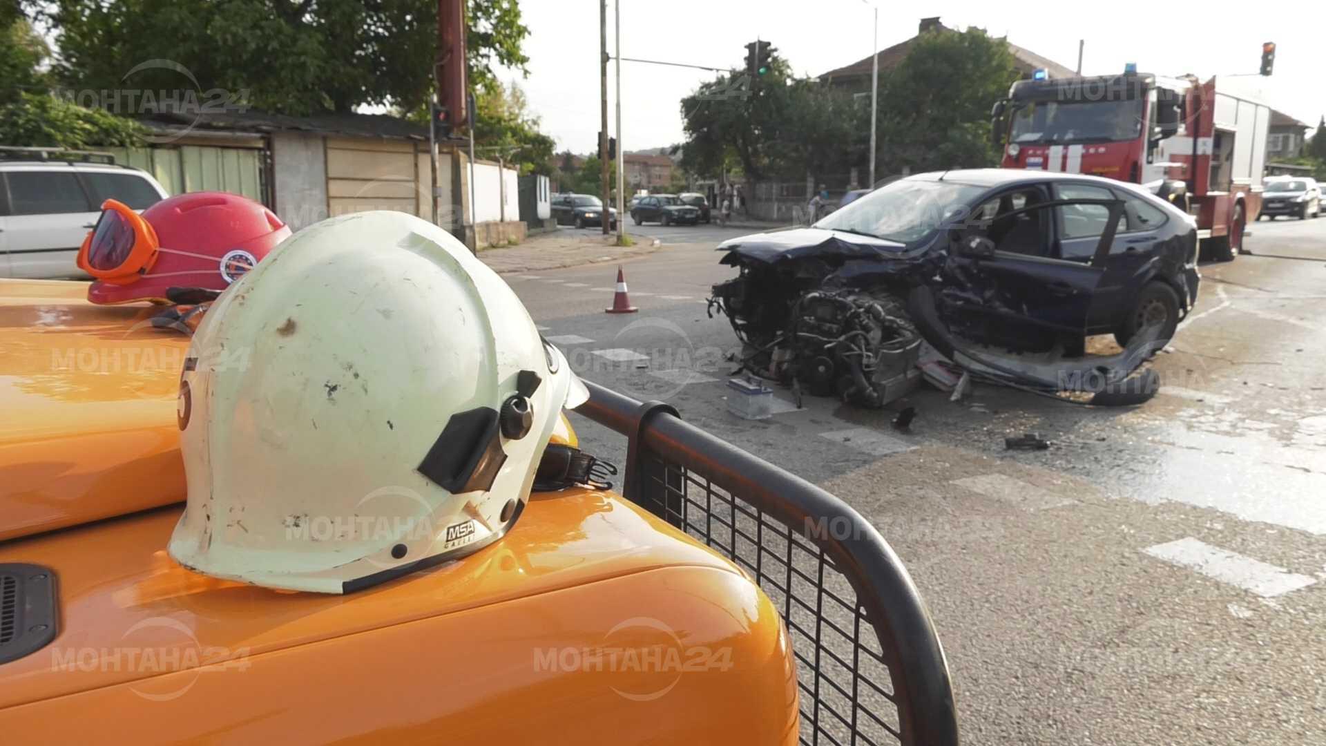 Пиян 20 годишен мъж от Берковица катастрофира снощи около 22,30 ч. между Монтана и Берковица, в района на село Комарево.