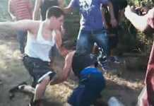 Ученици се биха в училищен двор
