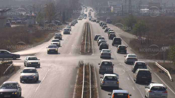 Близо 300 автомобила излязоха на протест в Монтана