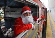 Дядо Коледа пристига с влак в Лом