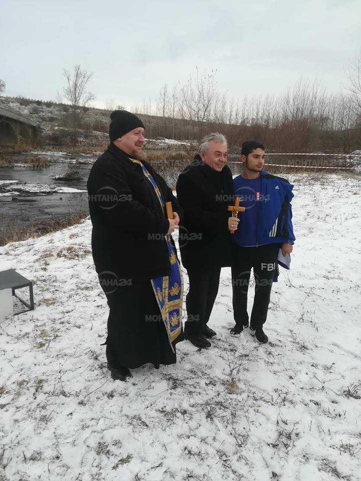 18 годишен извади кръста в Бойчиновци