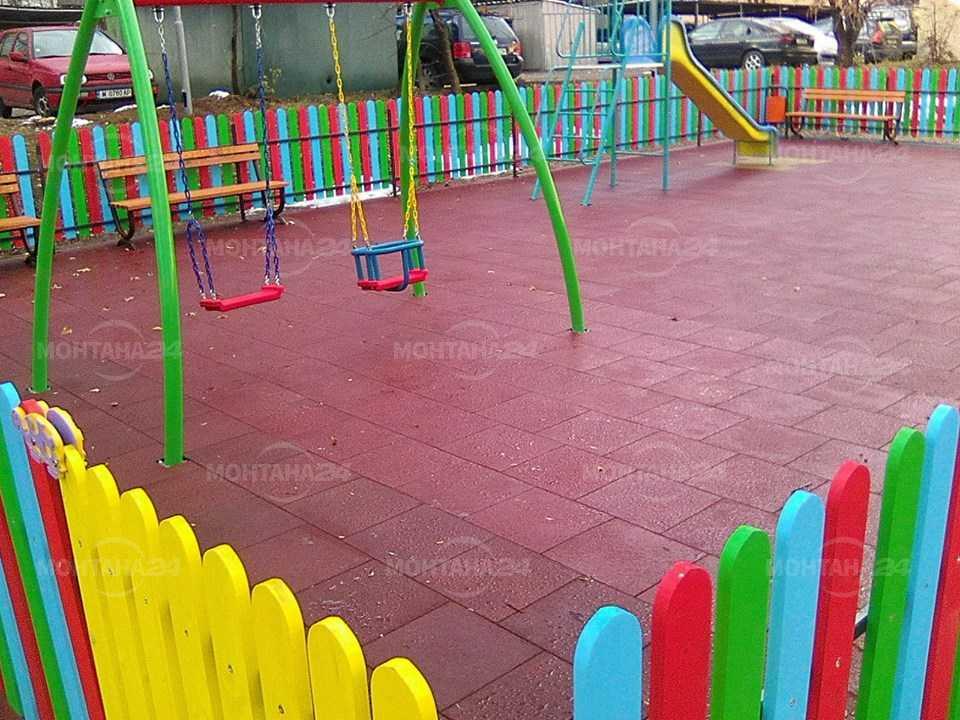 Децата във Вършец ще играят на нова детска площадка