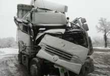 Тир се удари в друг на околовръстния път на Монтана