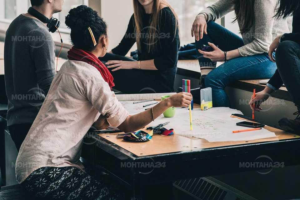 Учениците ще избират онлайн заниманията по интереси