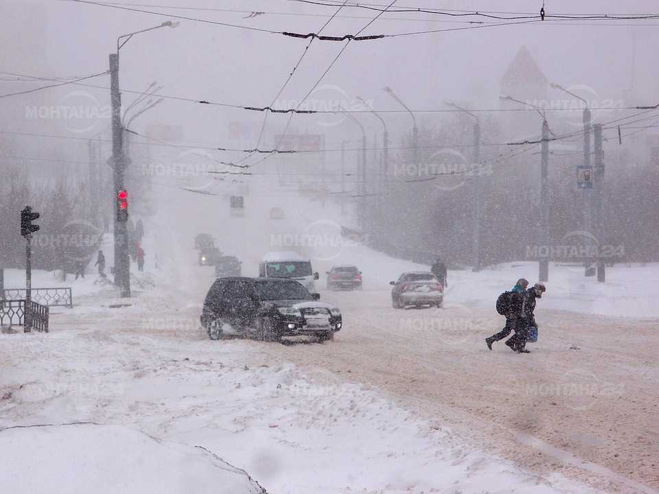 Съвети за шофиране в сняг и заледен път