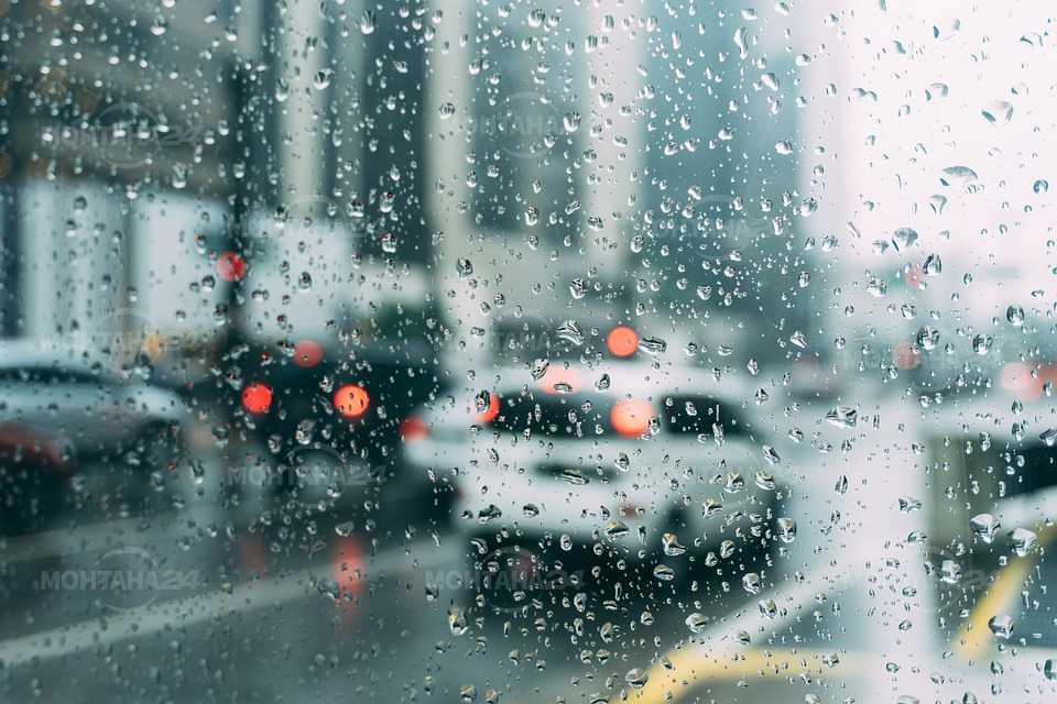 Облачно със слаби валежи от дъжд над региона