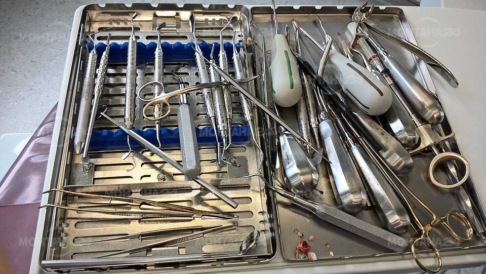 Двама мъже откраднаха упойки и други зъболекарски принадлежности