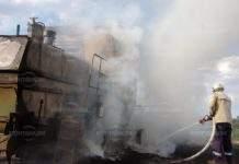 Комбайн изгоря в нива край Замфирово, спасиха пшеницата
