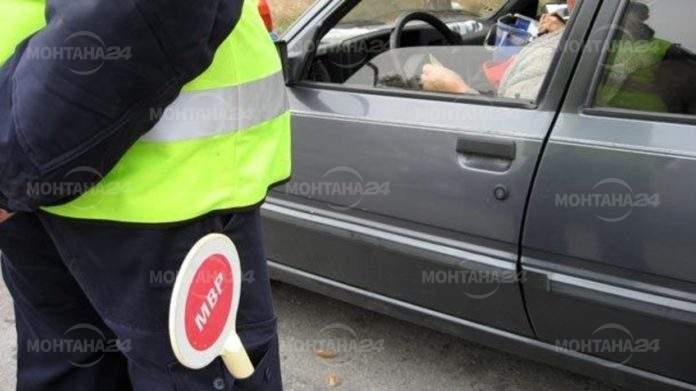 """Шест месеца """"Пробация"""" за шофьор подкупил полицаи с 10 лева"""