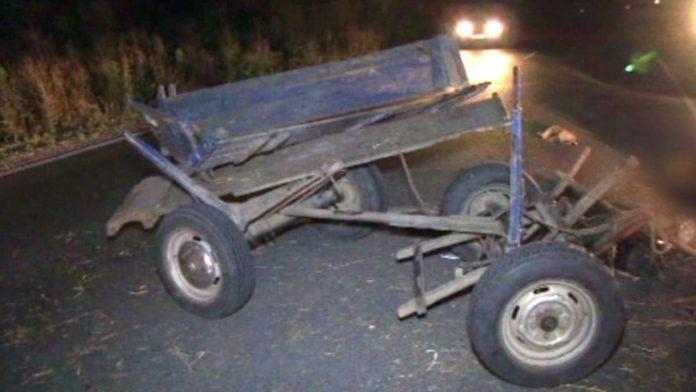 Автомобил блъсна каруца, възрастна жена е пострадала