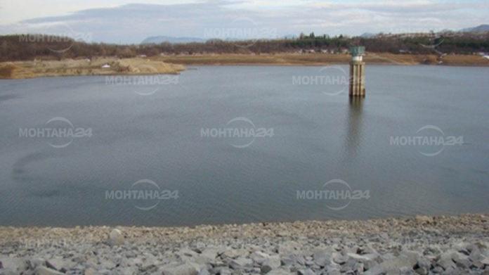 Близо 12 милиона кубика вода има в язовир