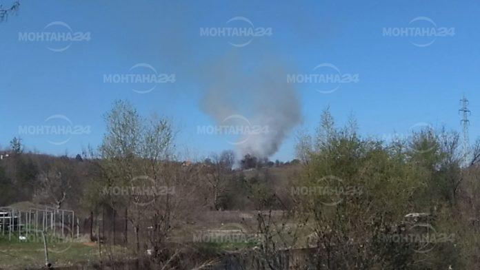Голям пожар на сухи треви и храсти близо до Монтана