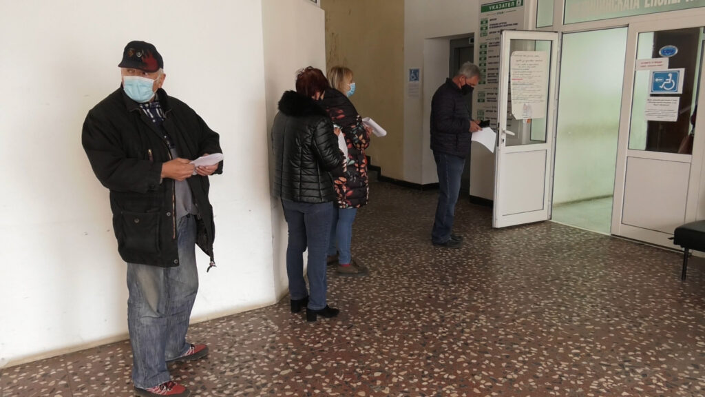 Зелен коридор за желаещи да си поставят ваксина в Монтана