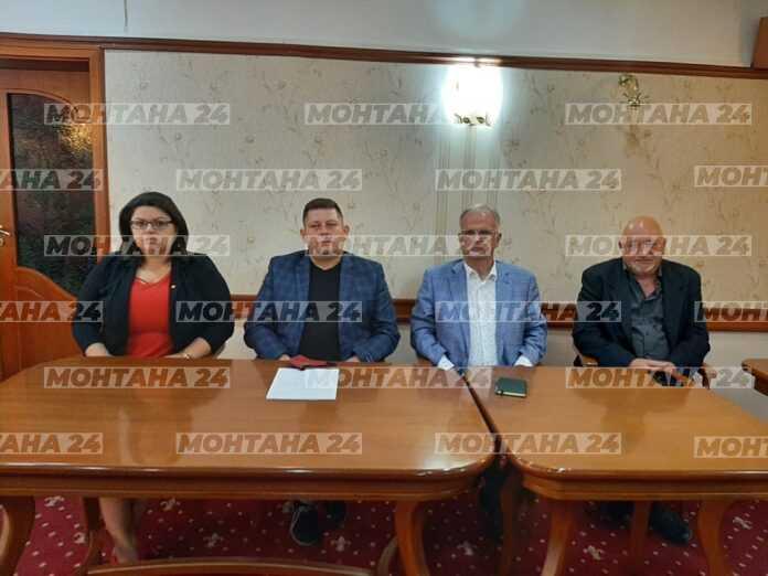 Боян Чуков води листата на